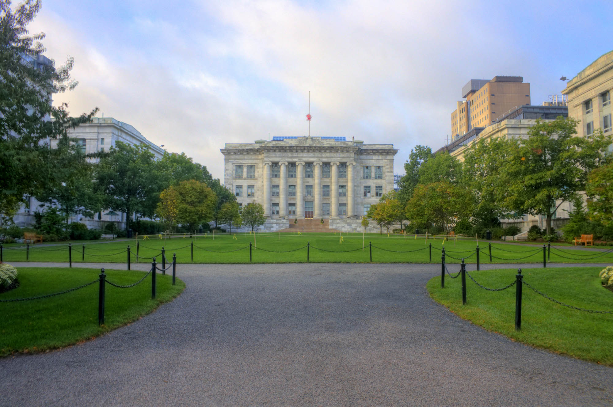 harvard medical school coursework The graduate school of arts and sciences offers the master of arts (am), master of science (sm), master of engineering (me), and the doctor of philosophy (phd) in 57 divisions, departments, and committees, including 17 interfaculty programs.