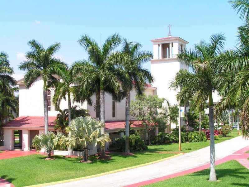 Barry University campus life