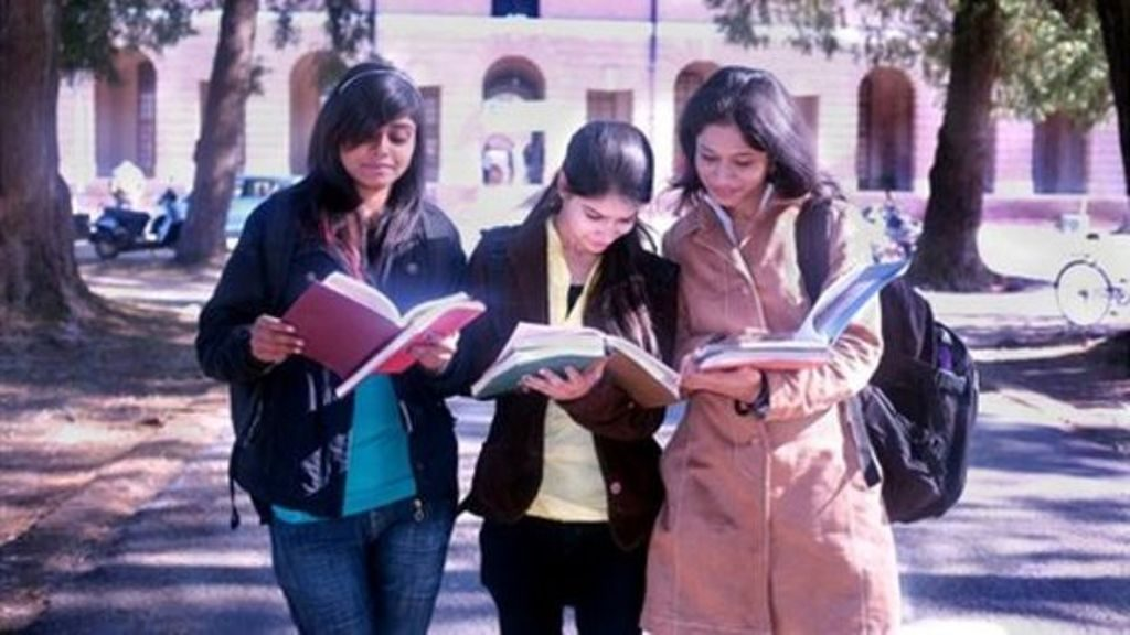 List of Top 10 Distance Education Universities in India 2016 Rakings