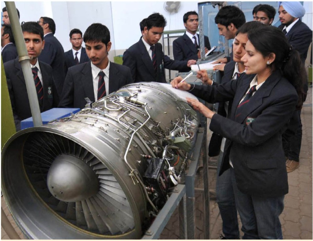 Top 10 Best Aeronautical Engineering Colleges in India 2016