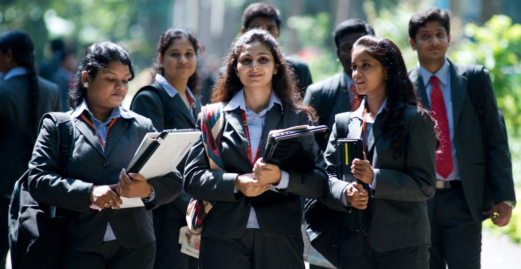 Top 10 MCA Universities in India