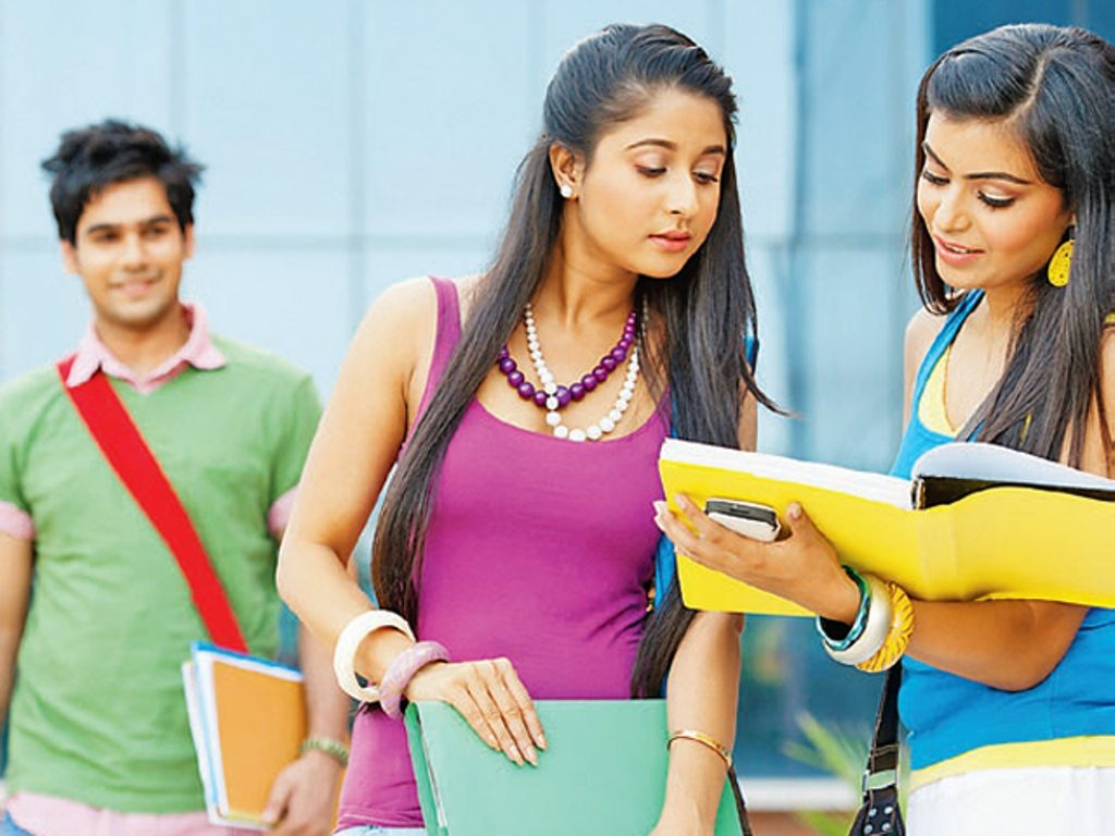 Top 10 Most Popular Universities in India 2015