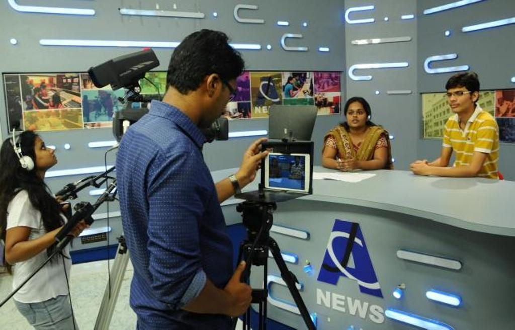 Top 10 Colleges for Journalism in India 2016