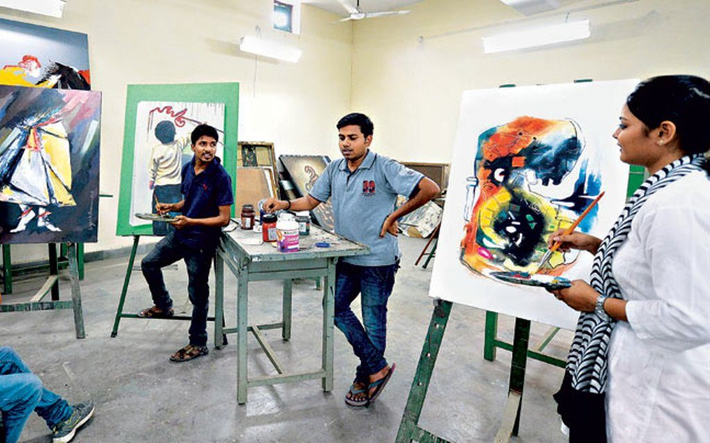 list of Top 10 Best Fine Arts Colleges in India