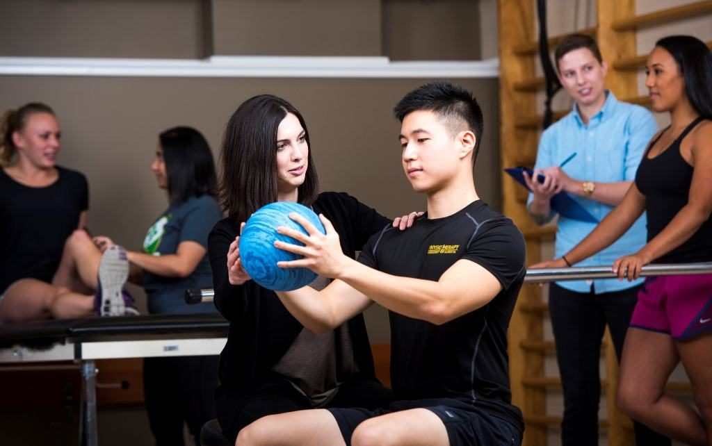 List of top 10 Best Schools for Physical Therapy in Canada 2016